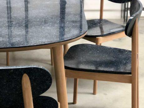 デニムアップサイクル素材使用家具