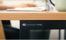 Evis Furniture+design  シンプルなテーブルと椅子